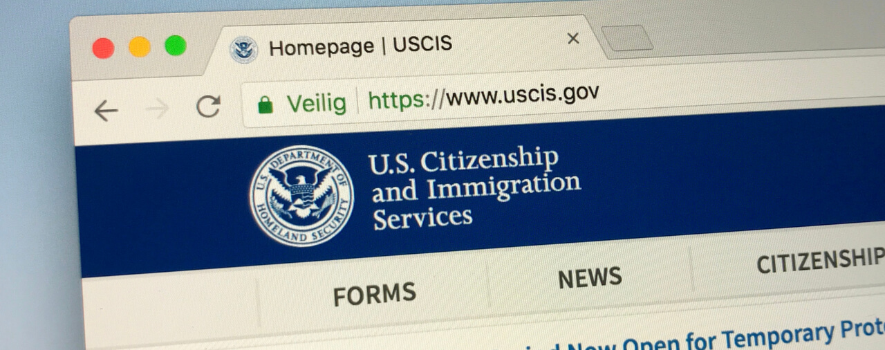 USCIS Reminds Customers That Form I-90 Can Be Filed Online