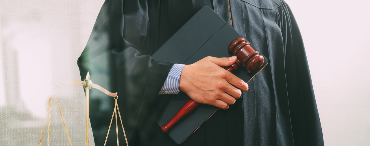 EOIR Swears in 11 New Immigration Judges